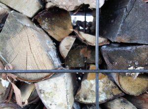 cabane-woodpile-empiler-bois-rester-chaud-noa-biran-roy-talmon-3