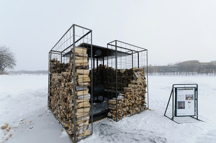 cabane-woodpile-empiler-bois-rester-chaud-noa-biran-roy-talmon-4