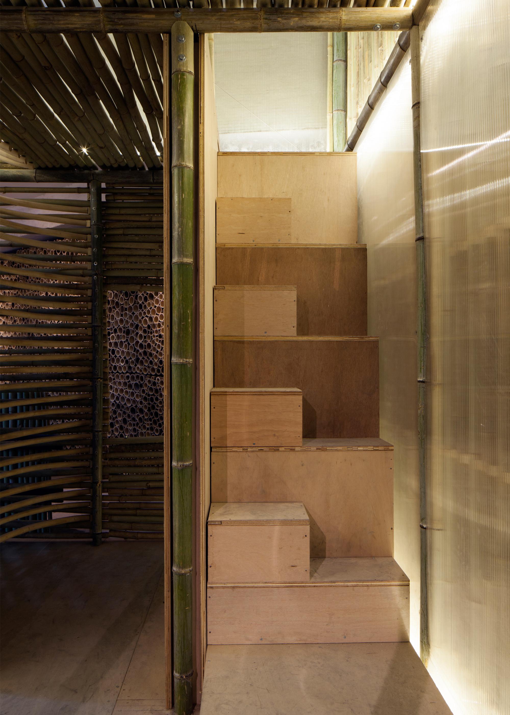 micro logements en bambou sign s affect t la mini. Black Bedroom Furniture Sets. Home Design Ideas