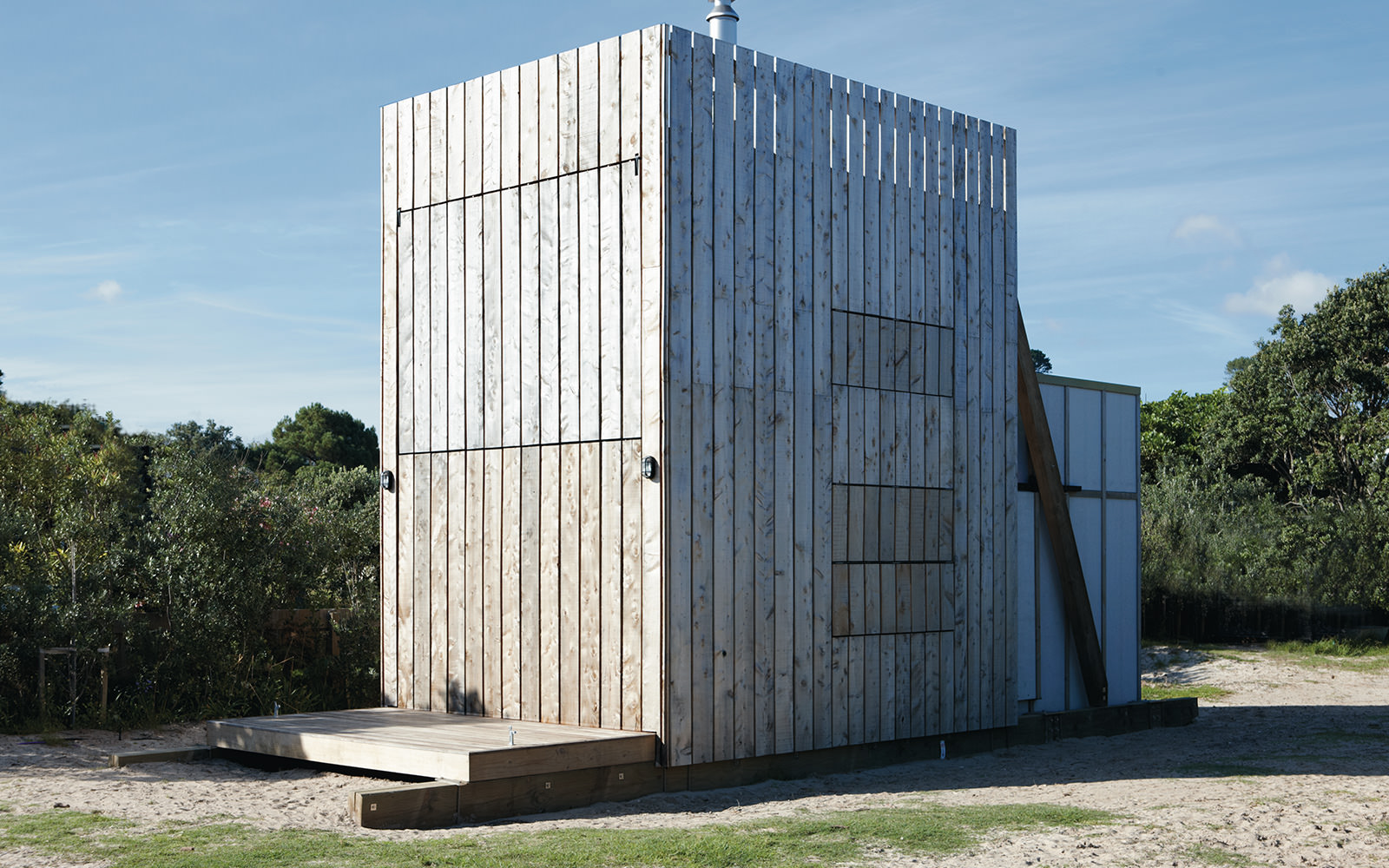 petite-maison-de-vacances-neo-zelandaise-hut-on-sleds-house-crosson-clarke-carnachan