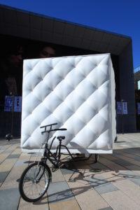 une-mini-maison-tractee-par-un-velo-tricycle-boa-house-dot-architectes-18