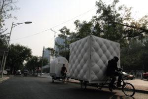 une-mini-maison-tractee-par-un-velo-tricycle-boa-house-dot-architectes-9