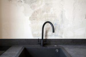 amenagement-petites-surfaces-studio-nos-conseils-pour-cloisonner-espace-batiik-blackbox-12