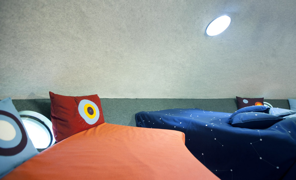 chambre-hotel-science-fiction-vaisseau-spatial-ovni-ufo-treehotel-2