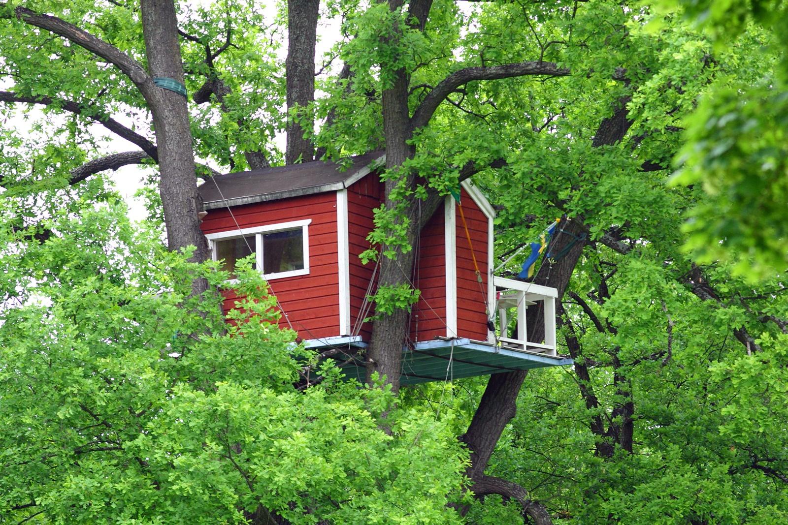 hotel-woodpecker-plus-petit-hotel-monde-nuit-insolite-0