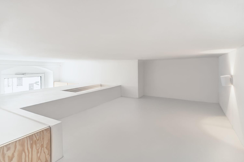mezzanine-micro-appartement-studio-21m2-berlin-paola-bagna-spamroom