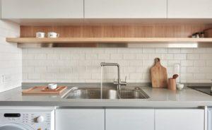 cuisine-petit-appartement-de-22-m2-a-little-design-15