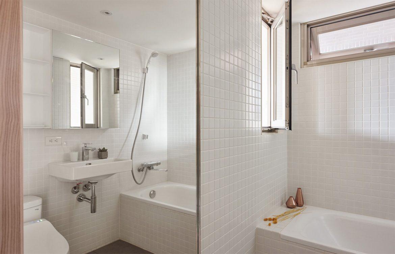 salle-de-bain-miroir-petit-appartement-de-22-m2-a-little-design-17