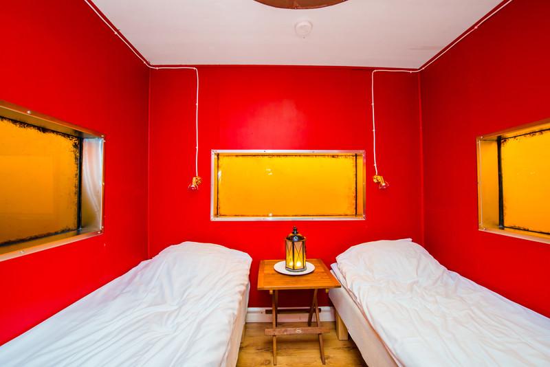 utter-inn-micro-hotel-flottant-vasteras-mikael-genberg-1