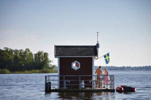 utter-inn-micro-hotel-flottant-vasteras-mikael-genberg-2
