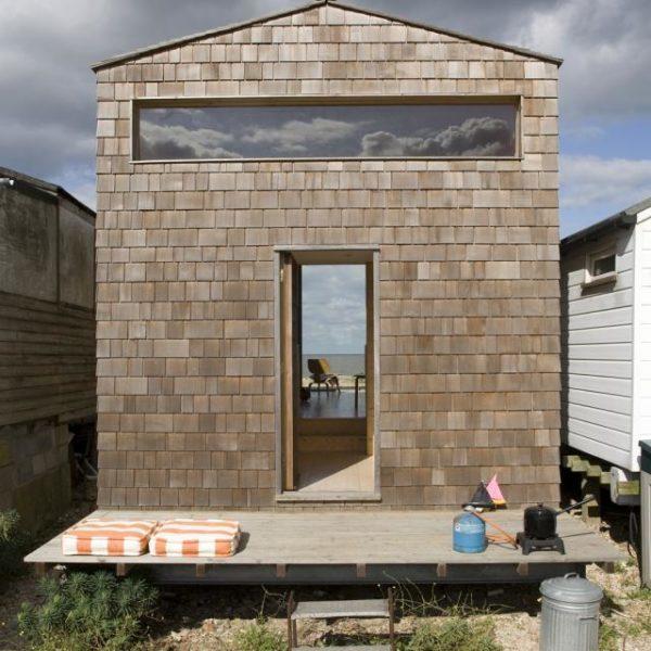 la-mini-maison-cabane-de-plage-beach-chalet-de-studiomama-0
