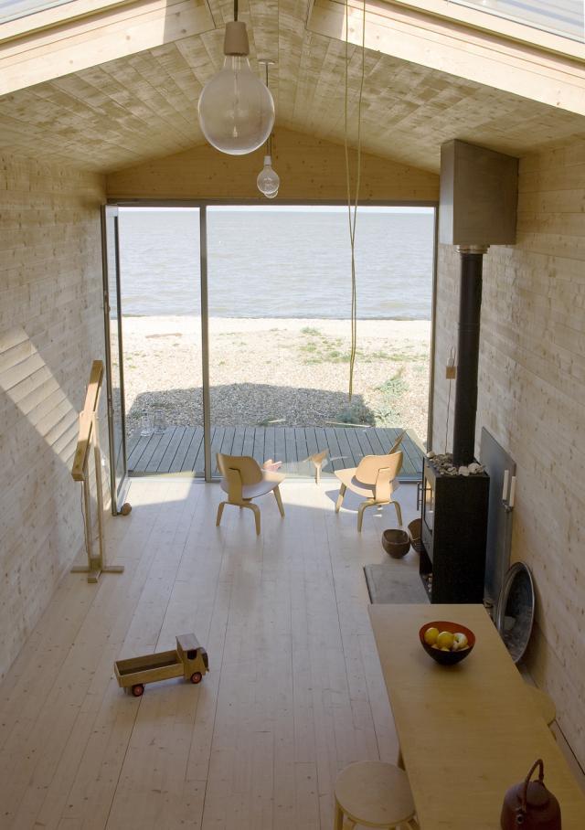 la mini maison cabane de plage beach chalet de studiomama. Black Bedroom Furniture Sets. Home Design Ideas