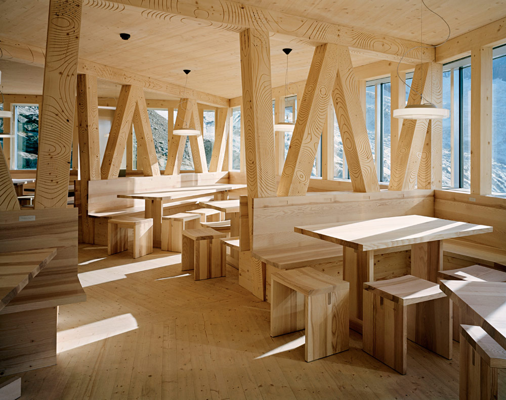 la-mini-maison-la-cabane-mont-rose-refuge-durable-alpes-11