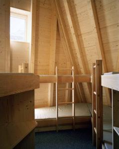 la-mini-maison-la-cabane-mont-rose-refuge-durable-alpes-12