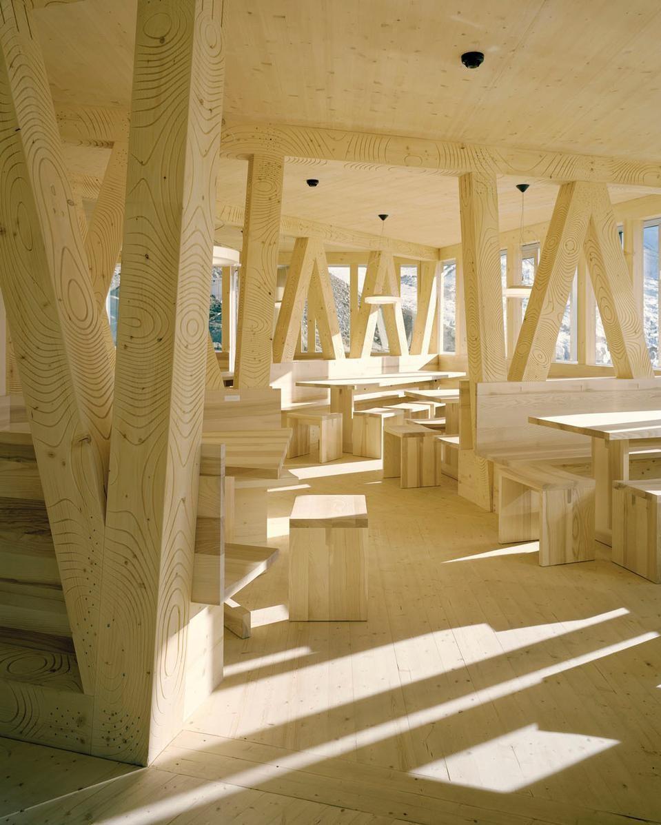 la-mini-maison-la-cabane-mont-rose-refuge-durable-alpes-2