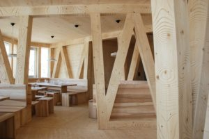 la-mini-maison-la-cabane-mont-rose-refuge-durable-alpes-8