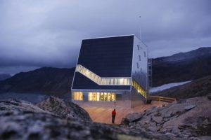 la-mini-maison-la-cabane-mont-rose-refuge-durable-alpes-9