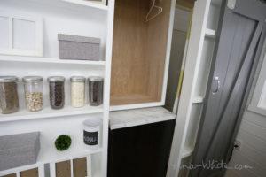 mini-maison-belle-ingenieuse-ana white tiny house open01