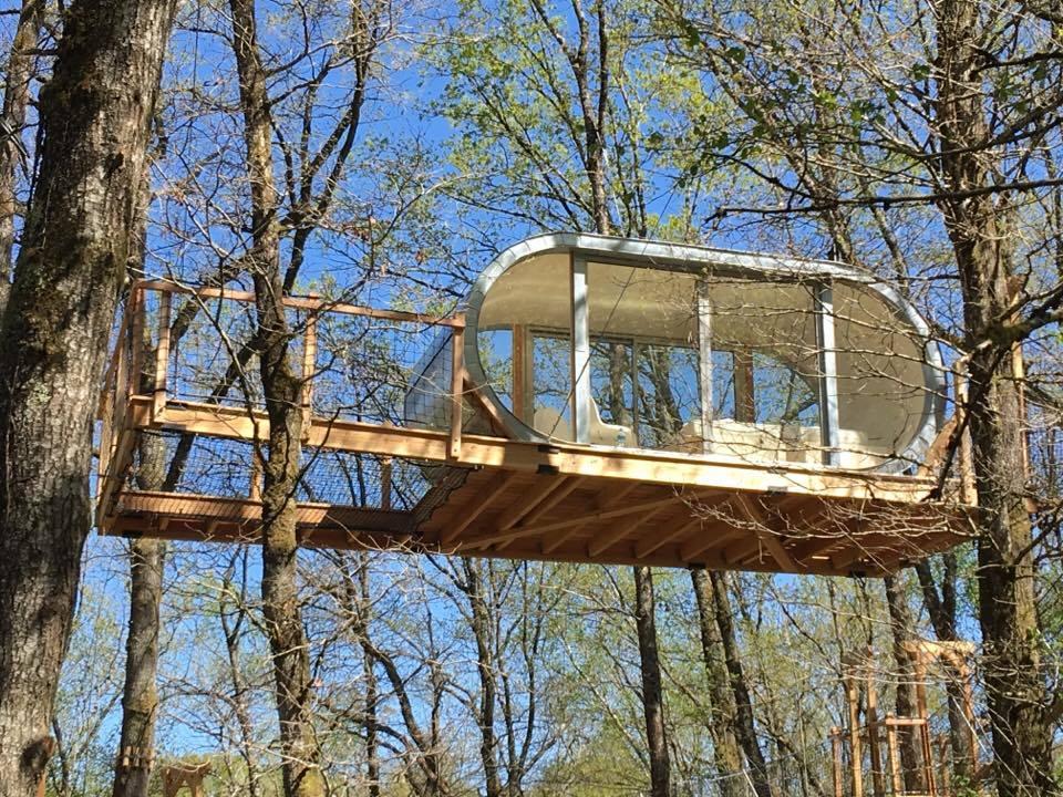 le module une cabane suspendue la mini. Black Bedroom Furniture Sets. Home Design Ideas