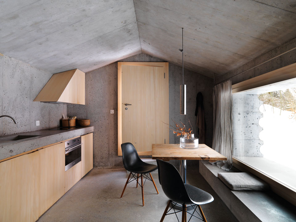 un-chalet-tout-en-beton-1