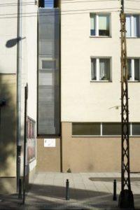 la-maison-keret-la-plus-etroite-deurope-jakub-szczesny-varsovie-collectif-centrala-maison-keret-9