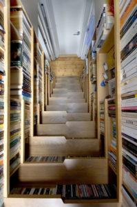 maximiser-lespace-installer-bibliotheque-escalier-Escalier de bibliothèque Levitate Architects Londres 2008-Staircase-Bookshelf