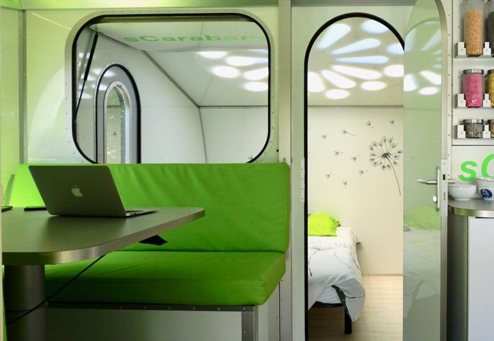 scarabane-une-caravane-tournante-autonome-en-energies-green-cat-technologies-1
