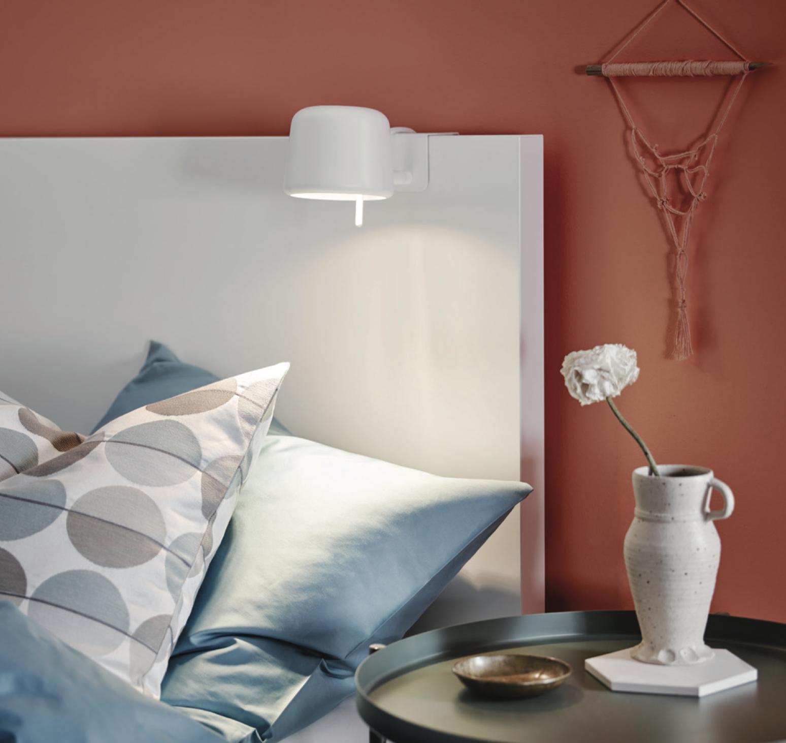 Varv La Mini Lampe Ikea S Accroche A La Tete De Lit La Mini Maison Com