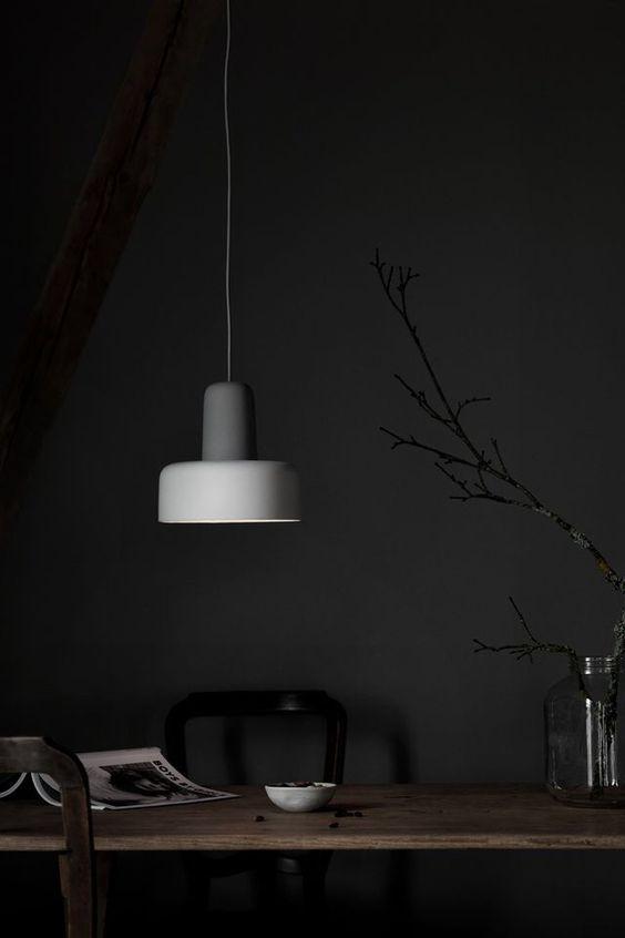 petit-espace-comment-agrandir-visuellement-une-piece-Osez les couleurs sombres