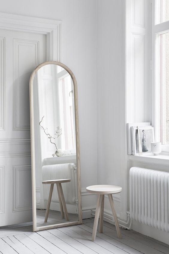 petit espace comment agrandir visuellement une piece ajoutez des miroirs la mini. Black Bedroom Furniture Sets. Home Design Ideas