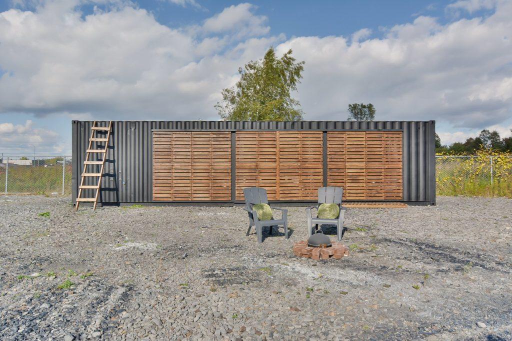 ce-loft-dans-un-conteneur-maritime-a-vendre-quebec-montreal-1