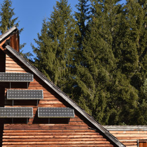 panneaux-solaires-Bâtiment à énergie positive