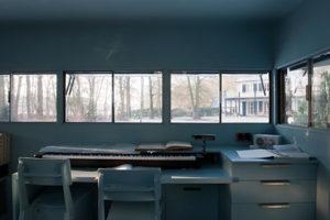 cabane-invisible-au-fond-des-bois-Piet Hein Eek-Hans Liberg-7